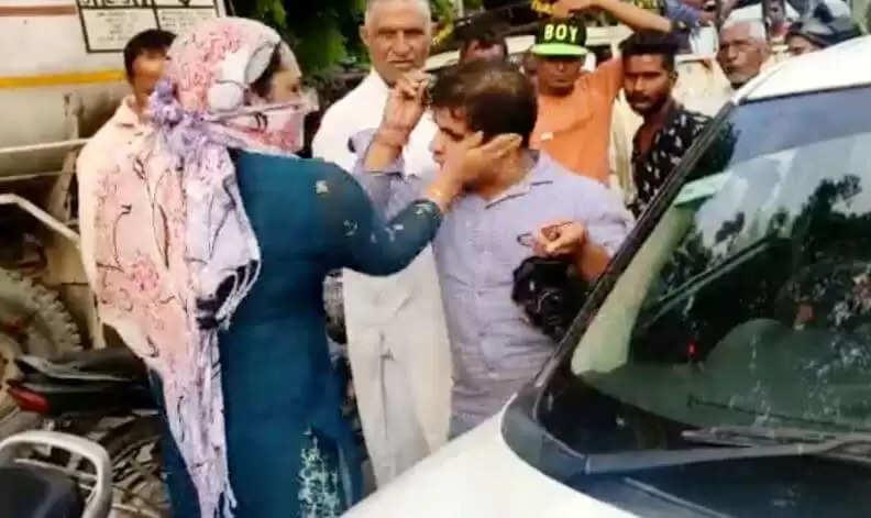 Panipat Women Beating Video : लखनऊ के बाद अब हरियाणा में भी महिला ने कर दी कार सवार की धुनाई, सोशल मीडिया पर वीडियो वायरल