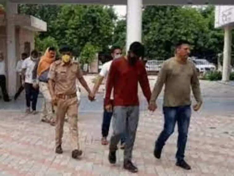 Haryana Police Paper Leak News : हरियाणा पुलिस पेपर लीक मामले में एसआईटी का मिली बड़ी सफलता, जम्मु कश्मीर से तीन आरोपी हुए गिरफ्तार