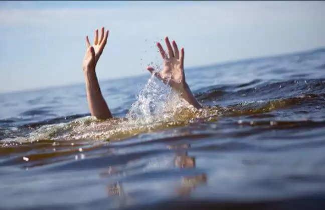 Hisar News : रावलवास खुर्द के जलघर के होद में मिला युवक का शव, चार दोस्तों पर हत्या का आरोप