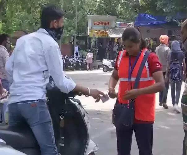 Chandigarh Boxer Ritu : नेशनल बॉक्सिंग की ये खिलाड़ी अब काट रही पार्किंग में पर्चियां, जानिये कौन है वो खिलाड़ी