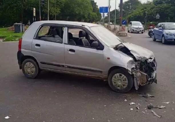 Chandigarh Road Accident : एंबुलेस की हुई कार के साथ टक्कर, बड़ा हादसा टला