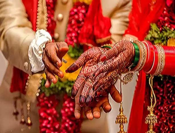 Gorakhpur News : पति के कमरे में गई नई नवेली दुल्हन, अचानक हुआ ऐसा कि मच गया हल्ला