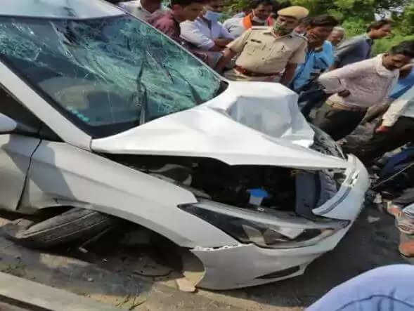 Udaipur Today News : सड़क हादसे में पति पत्नी समेत महिला की मौत, मौके पर पहुंची चार थानों की पुलिस