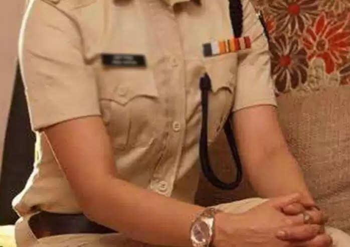 महिला सिपाही ने रोकी दरोगा के रिश्तेदार की बाइक, मारपीट के बाद अधिकारी ने कर दिया सस्पेंड