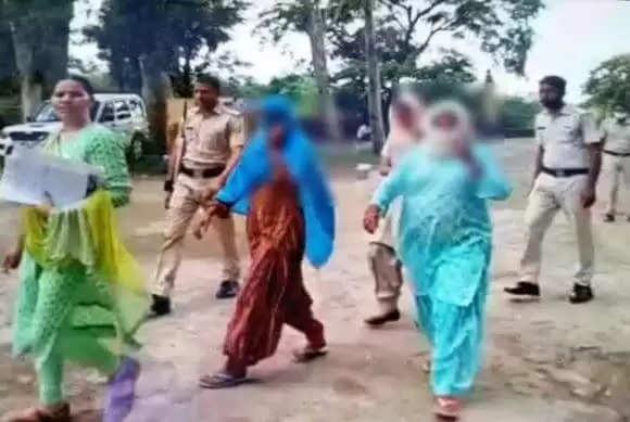 Mewat Racket In House :हरियाणा में महिलाएं अपने ही घर में करवा रही थी देह व्यापार, पुलिस ने दो महिलाओं समेत चार को किया गिरफ्तार